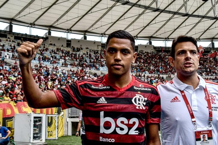Роша сверкнул в бразильском «Атлетико»: красиво забил с лету из-за штрафной в полуфинале Южноамериканского Кубка