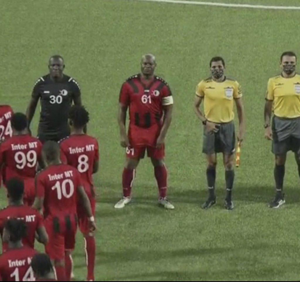 60-летний вице-президент Суринама сыграл в матче Лиги КОНКАКАФ: он участвовал в гражданской войне, подозревался в грабеже и незаконном обороте наркотиков