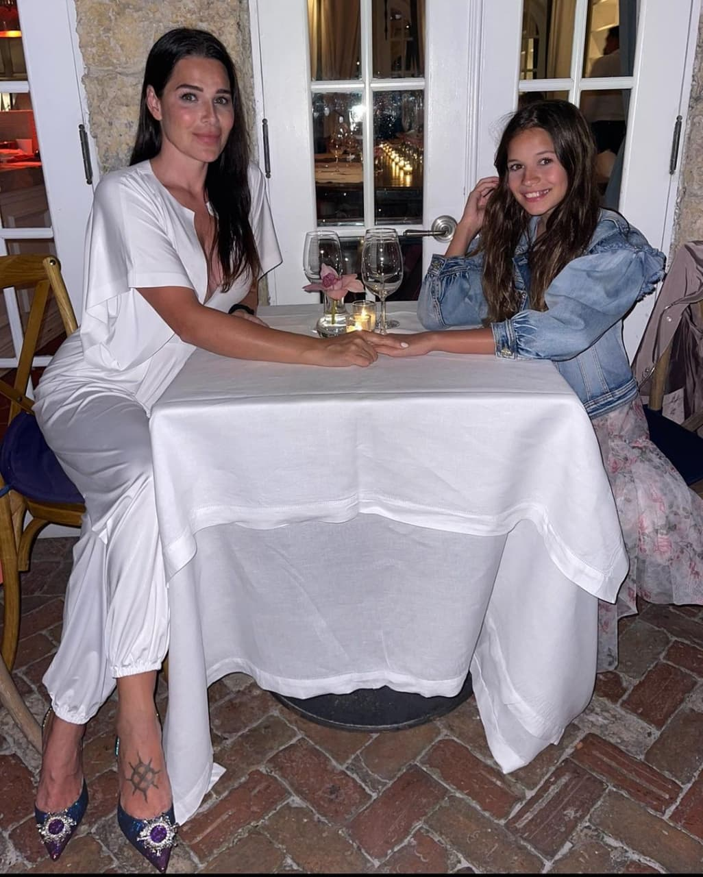 Соня Аморузо – жена Алессандро Дель Пьеро. Она сестра бывшего партнера Алекса по «Ювентусу»