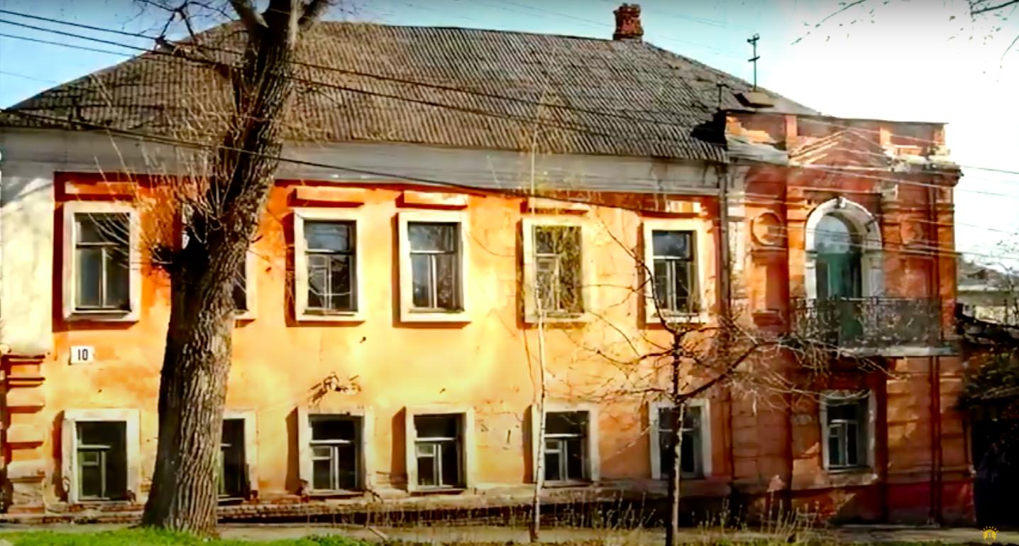 Любительский клуб из Курска презентовал форму с городской картой: на спины игроков нанесут номера домов и названия улиц