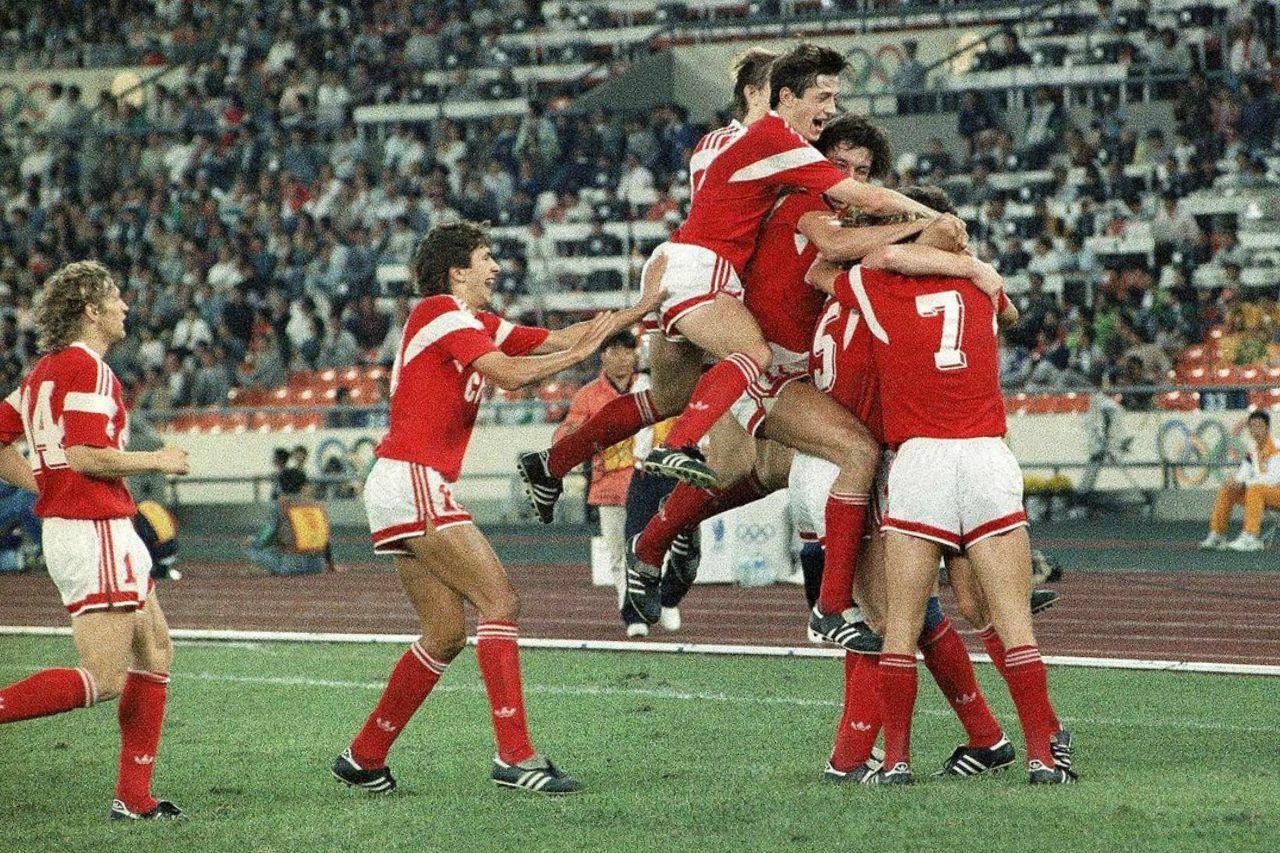«Ну, Савичев, забивай, я тебя умоляю!». 33 года назад СССР обыграл в финале Олимпиады Бразилию с Ромарио и Таффарелом